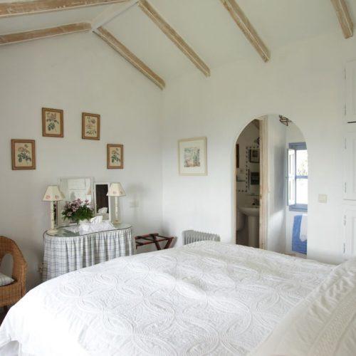 Almuna Bedroom